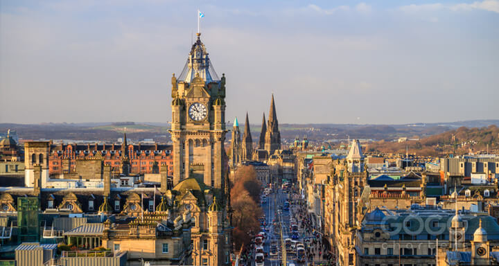 Coach hire in Edinburgh